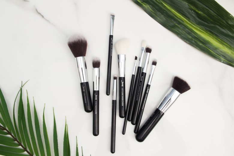 makeup brushes and their usage